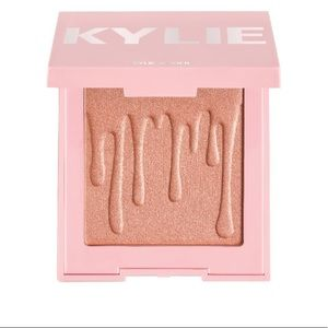 Kyle Cosmetics Pressed Illuminating Powder